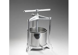 2.2 or 5.3 litre stainless steel grape or cider press