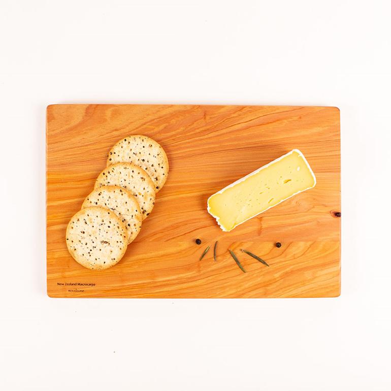 280 x 180 x 14 chopping board - macrocarpa
