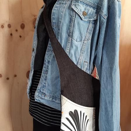 #31 Cream Pīwakawaka - Black - Crossover Bag