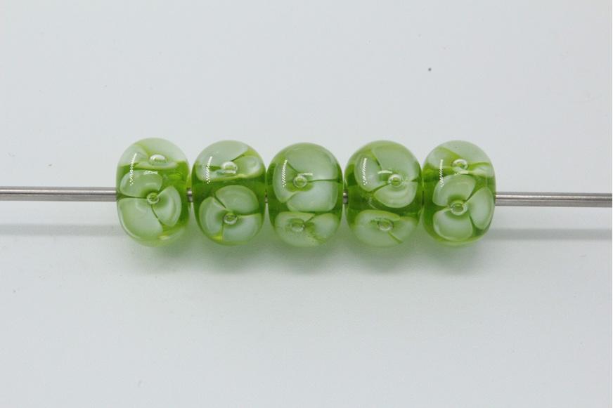 5x Bubble flower beads - green