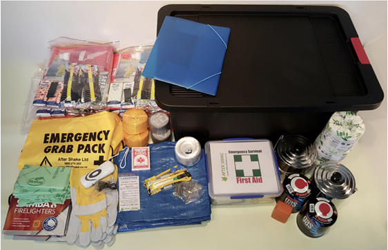 6 Person Emergency Survival Kit