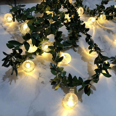 6m Spring Green Leaves with 40 Bubble Battery Lights with Chipped Battery Pack - Warm White