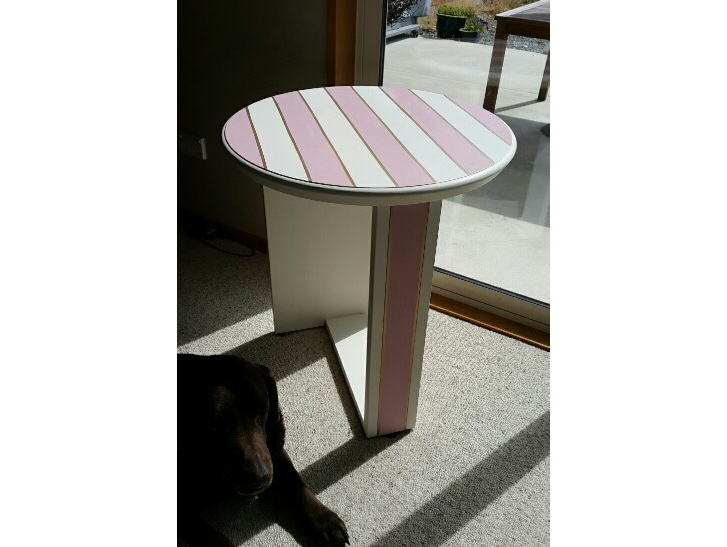 Pink stripe table.