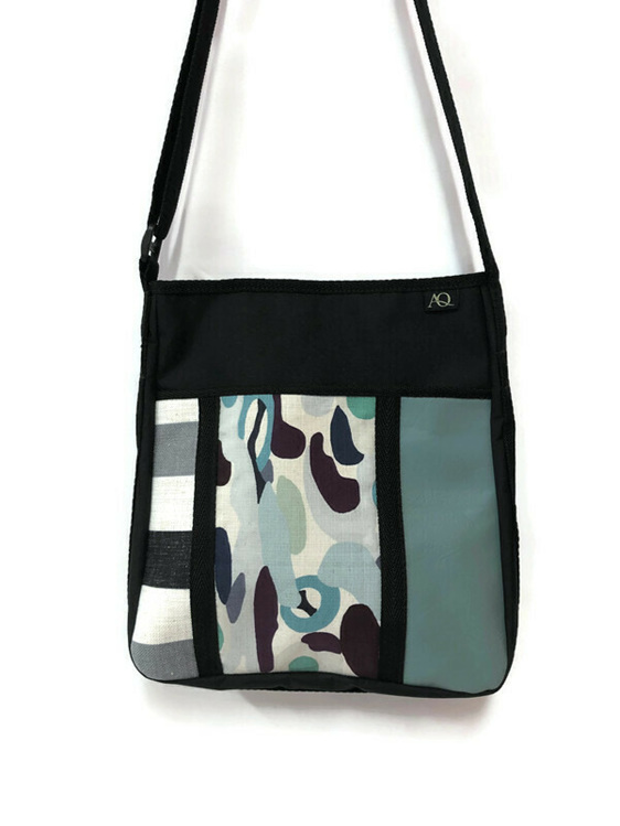 A handbag great for travel.
