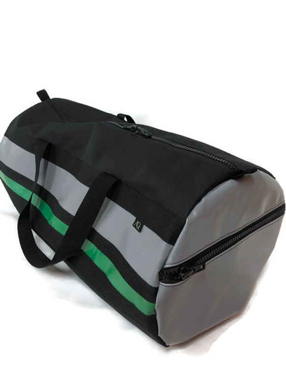 A large gear bag made in NZ great for travel or a sports bag