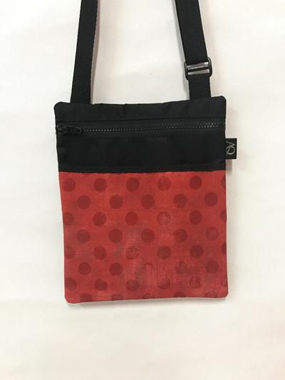 Dory Medium - red spot