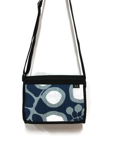 Kelpie satchel - blue leaf