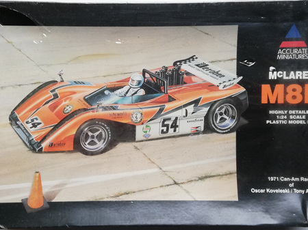 Accurate Miniatures 1/24 McLaren M8B 1971 Can-Am Racer