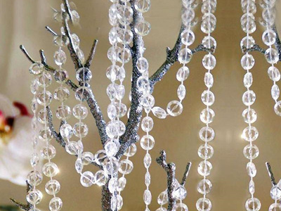 Acrylic crystal diamond strand