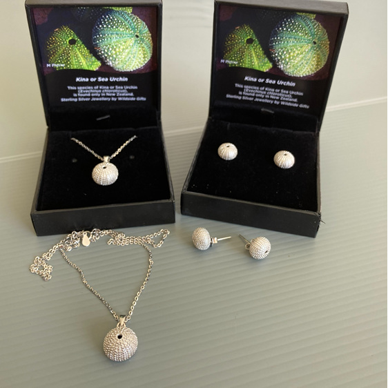 All our sterling silver jewellery comes in beautiful Wildside Gifts jewellery bo