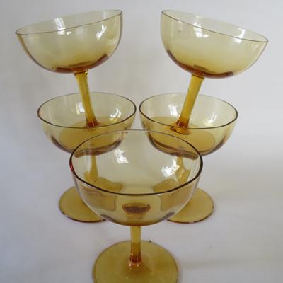 Small champagne glasses