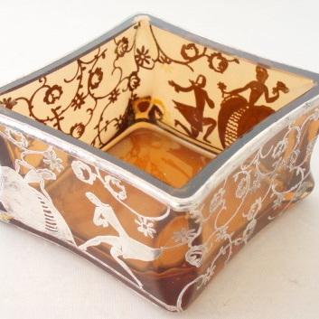 Amber glass diamond shaped dish