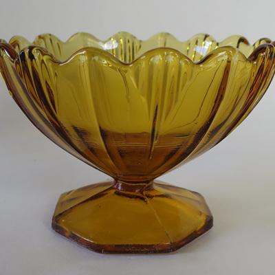 Deco style sundae glass