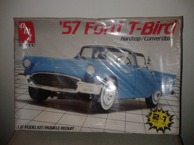 AMT 1/16 57 Ford T-Bird