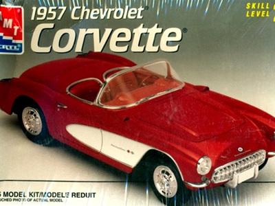 AMT 1/25 1957 Chevy Corvette