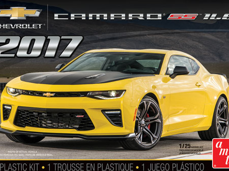 AMT 1/25 2017 Chevy Camaro SS 1LE