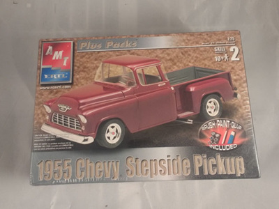 AMT 1/25 55 Chevy Stepside Pickup