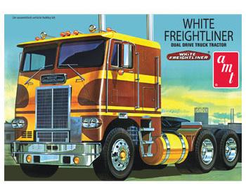 AMT 1/25 White Freightliner