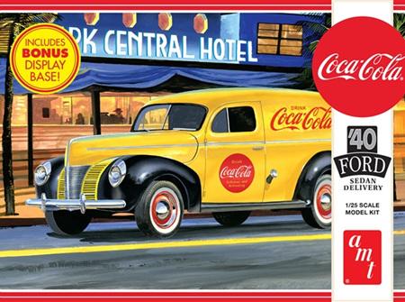 """AMT 1/25 1940 Ford Sedan """"Coca-Cola"""" Delivery Van (AMT1161)"""