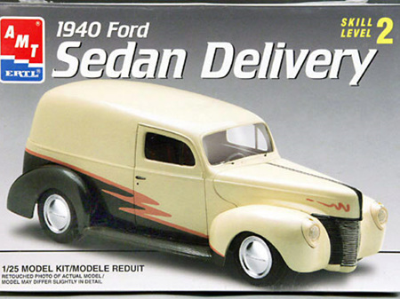 AMT 1/25 1940 Ford Sedan Delivery