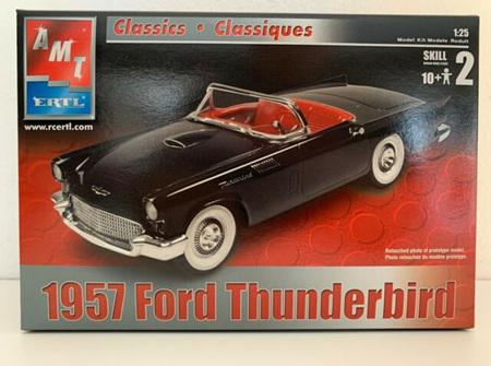 AMT 1:25 1957 Ford Thunderbird (AMT31925)