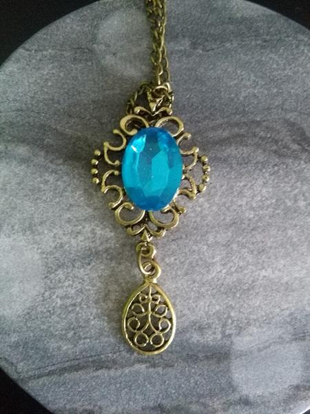 ANTIQUE GOLD & BLUE TOPAZ BLUE NECKLACE