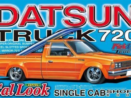 Aoshima 1/24 Datsun 720 Cal Look Single Cab Pickup