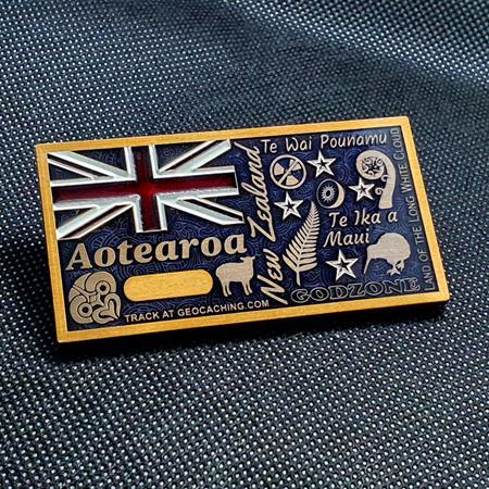 Aotearoa Deluxe Geocoin - V5 Antique Gold LE