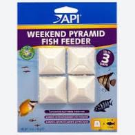 API Weekend Pyramid 3 Day Fish Feeder