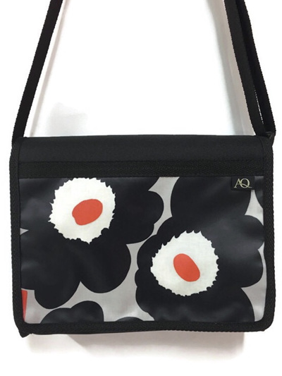 Kiwa satchel - bold flower