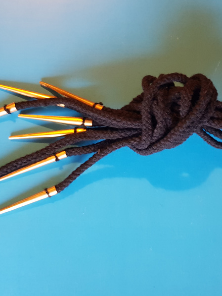 Armour 3 - Brass Aglets with 45 cm Black or White Cord (Set of 5)
