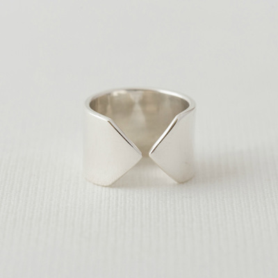 Arrow Ring -Wide