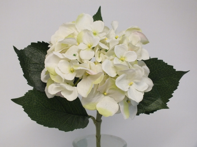 #artificialflowers #fakeflowers #decorflowers #fauxflowers#hydrangea#white