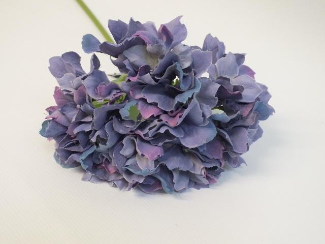 #artificialflowers #fakeflowers #decorflowers #fauxflowers#mauve#hydrangea#silk