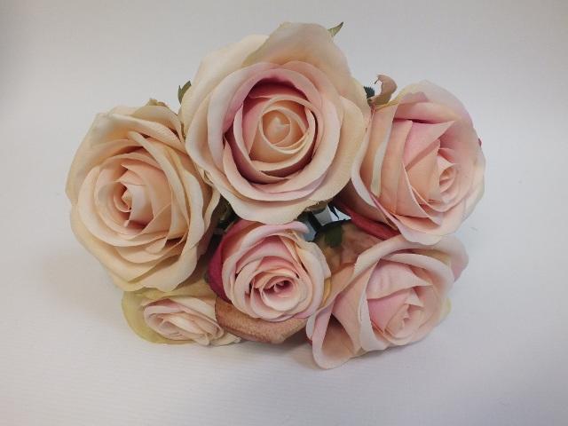 #artificialflowers #fakeflowers #decorflowers #fauxflowers#rose#posy#vintage