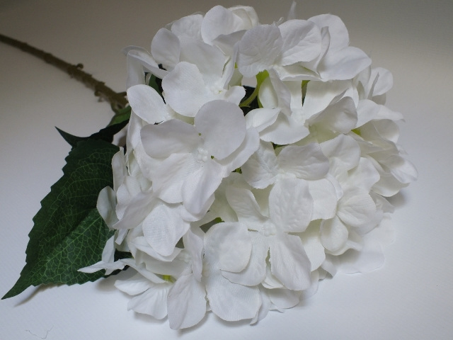 #artificialflowers #fakeflowers #decorflowers #fauxflowers#silk#hydrangea#white#