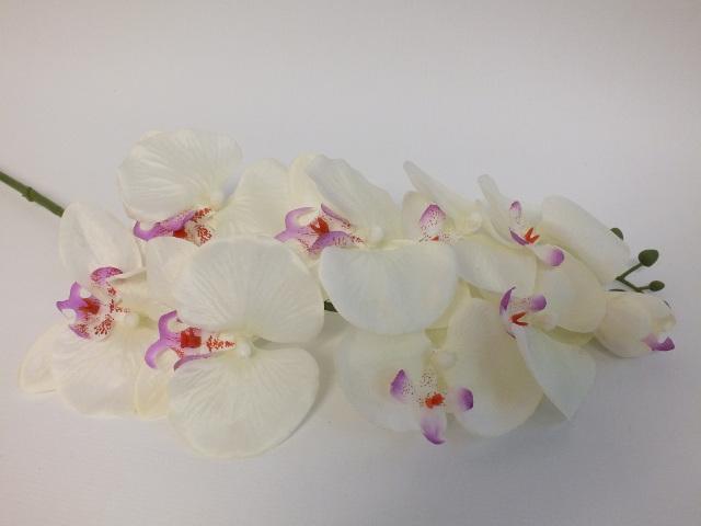 #artificialflowers #fakeflowers #decorflowers #fauxflowers#orchid#white#silk