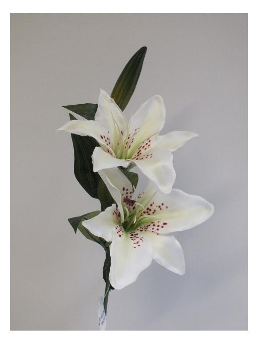 #artificialflowers #fakeflowers #decorflowers #fauxflowers#silk#lily#redspots#