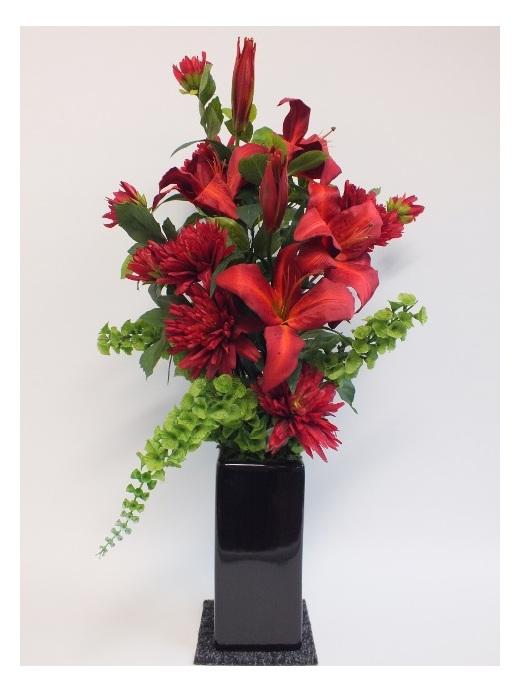 #artificialflowers #fakeflowers #decorflowers #fauxflowers#arrangement#red#green