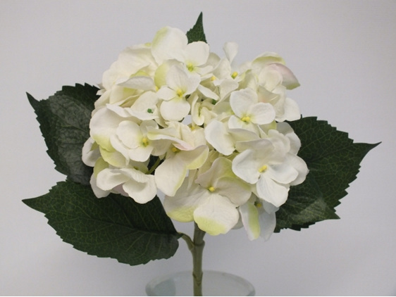#artificialflowers #fakeflowers #decorflowers #fauxflowers#hydrangea#white