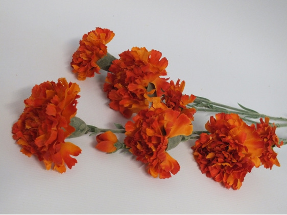 #artificialflowers #fakeflowers #decorflowers #fauxflowers#carnation#orange#silk
