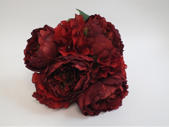 #artificialflowers #fakeflowers #decorflowers #fauxflowers#red#silk#posy