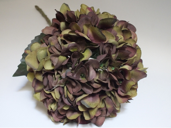 #artificialflowers #fakeflowers #decorflowers #fauxflowers#silk#hydrangea#olive#