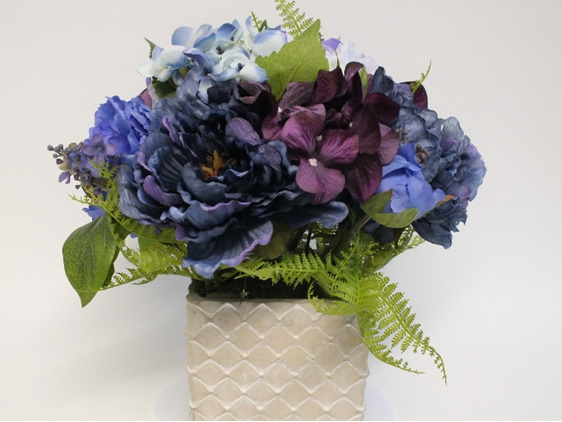 #artificialflowers #fakeflowers #decorflowers #fauxflowers#mauve#blu