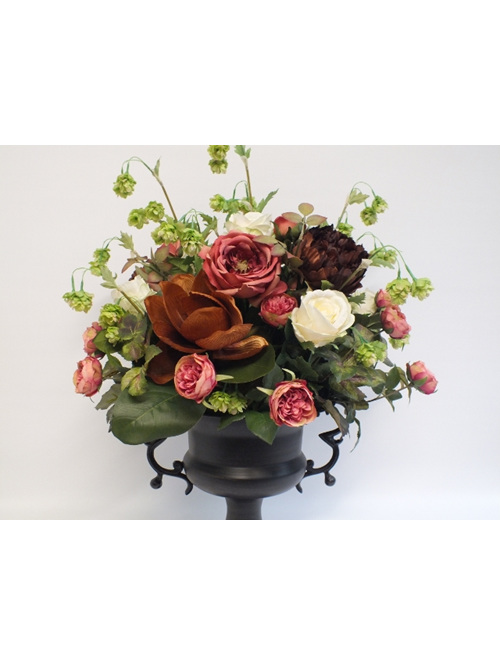 #artificialflowers #fakeflowers #decorflowers #fauxflowers#arrangement#manor