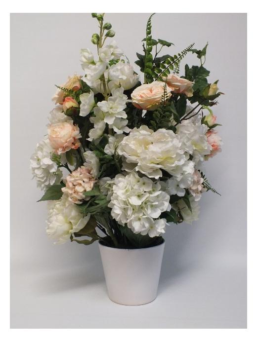 #artificialflowers #fakeflowers #decorflowers #fauxflowers#arrangement#cream