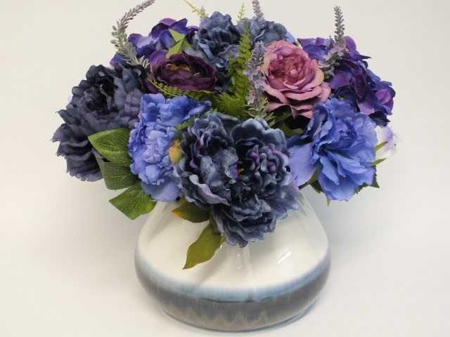 #artificialflowers #fakeflowers #decorflowers #fauxflowers#arrangement#mauve#blu