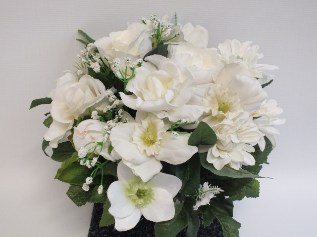 #artificialflowers #fakeflowers #decorflowers #fauxflowers#arrangement#white