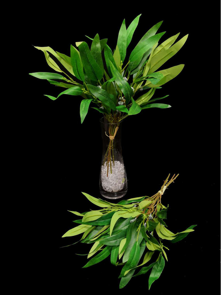 #artificialflowers #fakeflowers #decorflowers #fauxflowers#green#gumleaf