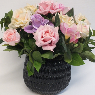 Pretty pink roses in Black sirocco 2222